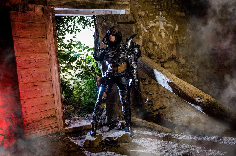 demon_hunter_cosplay_by_kickacosplay-d8aw19n
